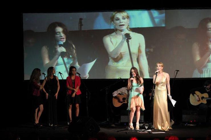 Fiesta de 15 Angela Torres cantando con la mamá Show