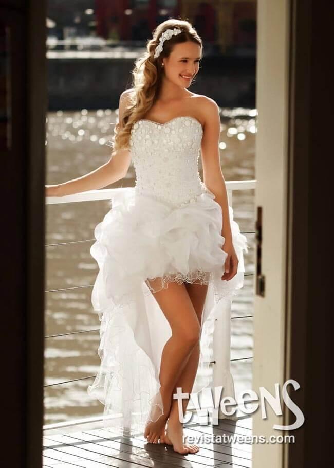 Vestido de 15 blanco corto adelante y largo atrás