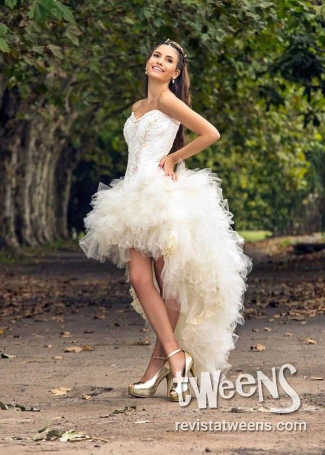 Vestido de 15 blanco con volados
