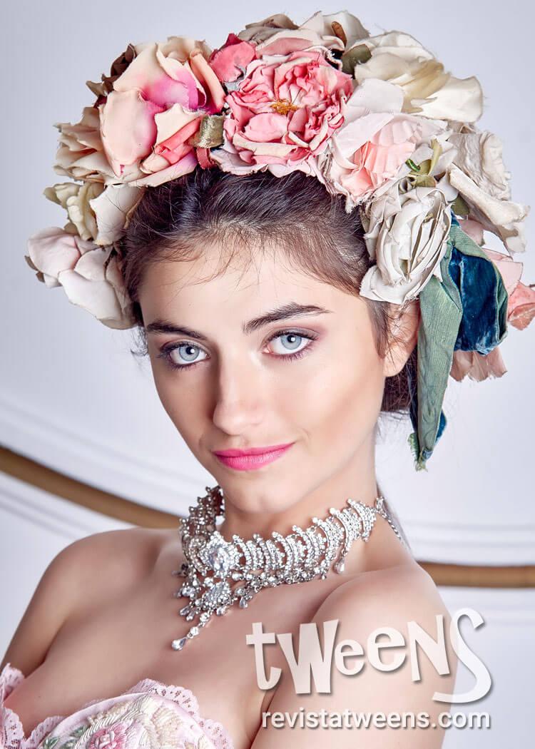 Peinado De 15 Recogido Con Importante Corona De Flores Vero Make