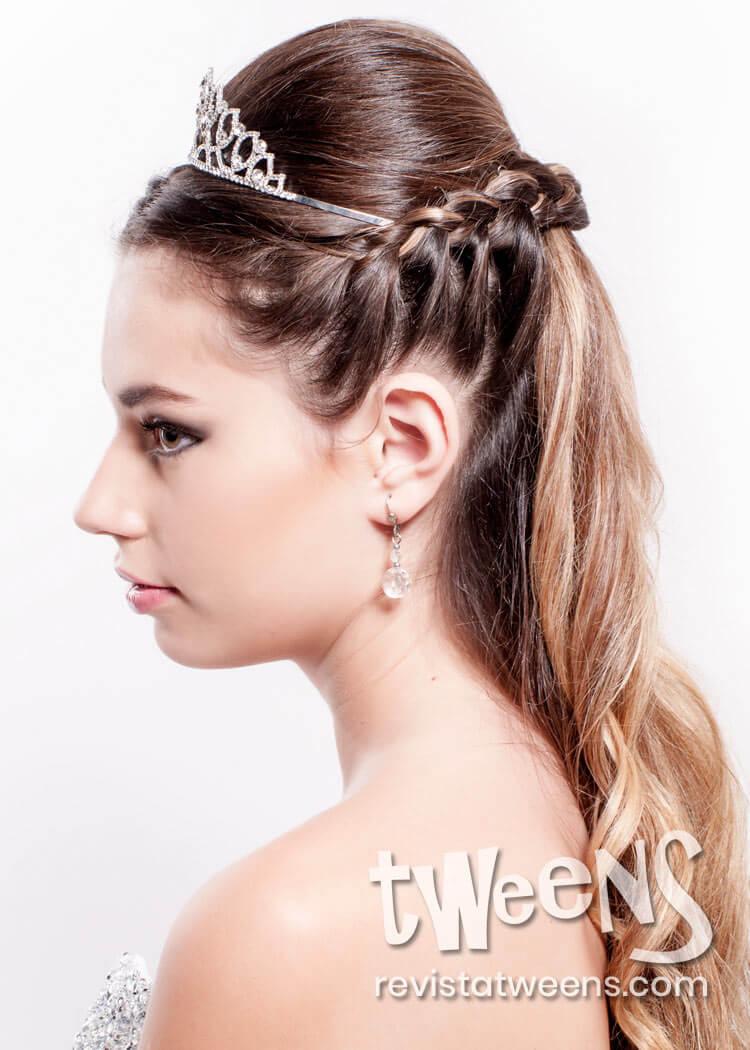 Peinado De 15 Anos Semi Recogido Con Trenza Y Tiara Coni Suarez