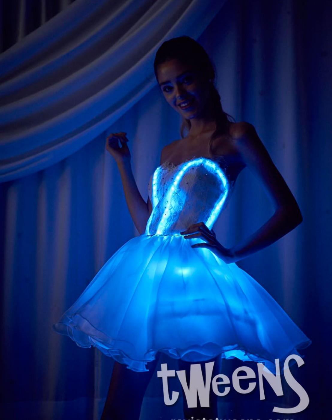 Vestido de quince corto luminoso led