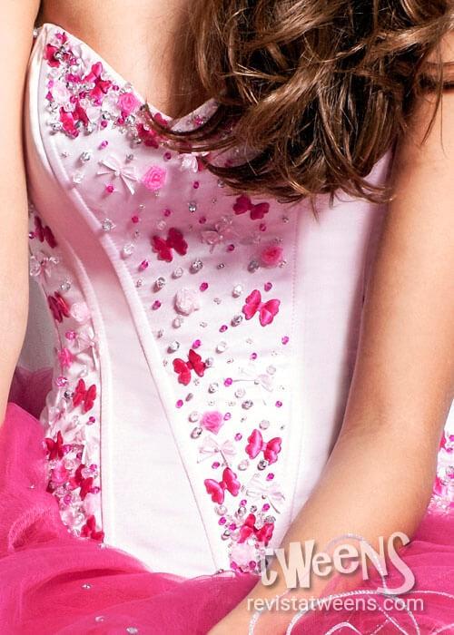 4ae8834938 Vestido de 15 años blanco y fucsia corto con mariposas - Aynaas ...
