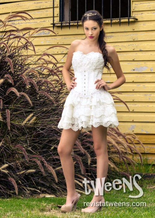 22912b028 Vestido de 15 años romántico blanco con pollera larga y corta ...