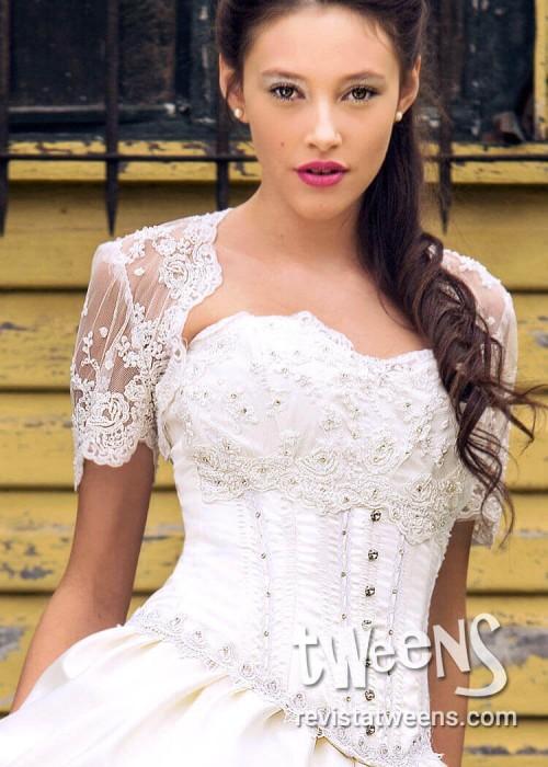 adede4057 ... Vestido de 15 años romántico blanco con pollera larga y corta ...