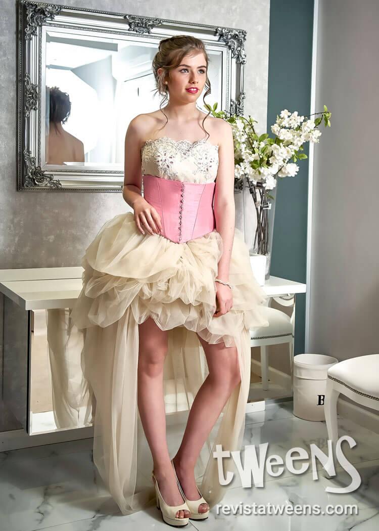 Vestido de 15 blanco con rosa corto