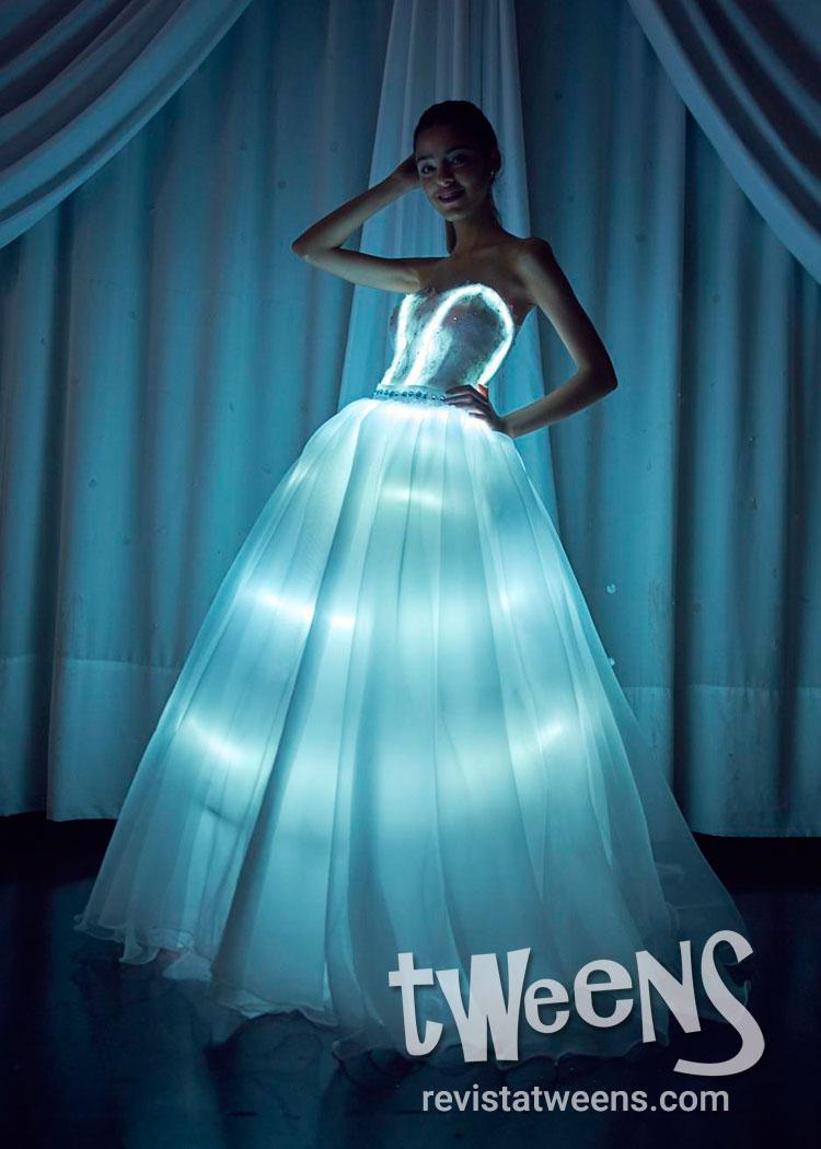 203aba5ddc Vestido de 15 años luminoso Luz led - Vestidos Led by Diseños ...