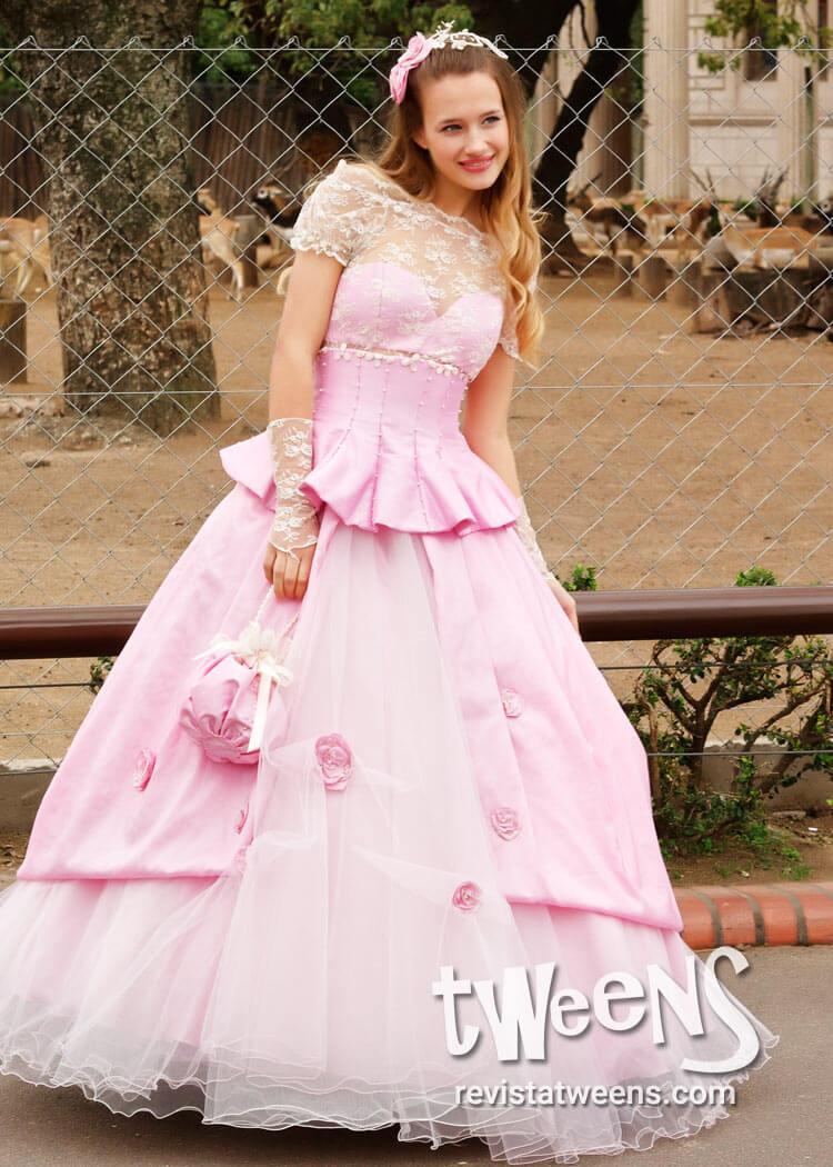 38456e56f Vestido de 15 años rosa romántico con hermosos detalles - Irma ...